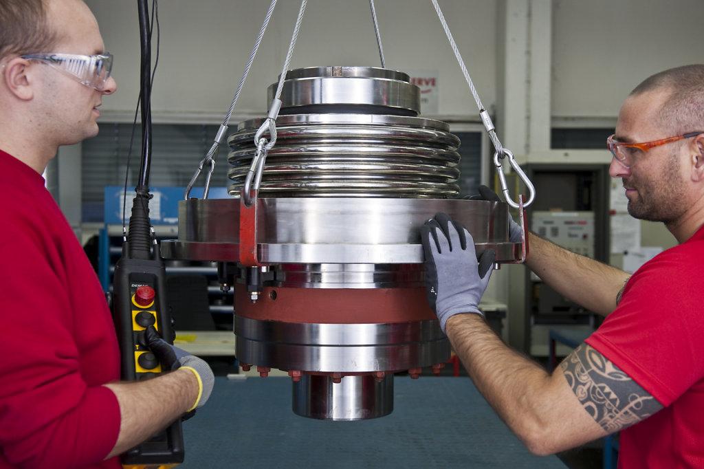 Hochdruckventil-bei-Flowserve2-Dortmund.jpg